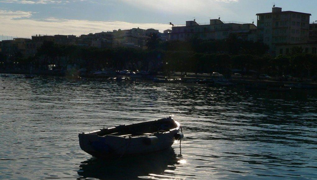 Barca al porticciolo dei pescatori | Gaeta